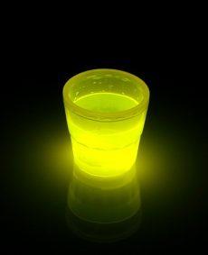 Glow beker 50ml Geel
