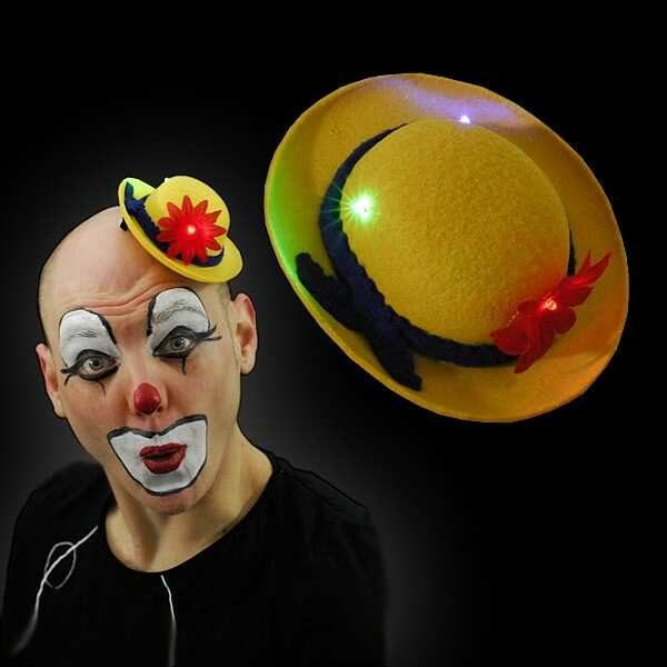 clowns hoed geel.